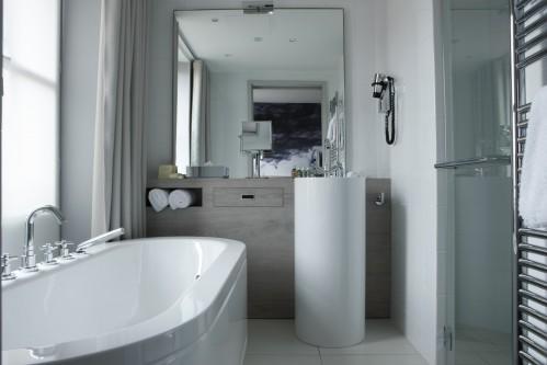 Le Grand Balcon Hotel – Deluxe Double Room