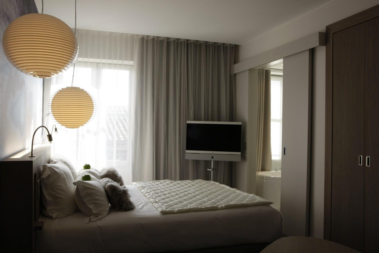 Le grand balcon hotel place du capitole toulouse centre for Chambre de luxe